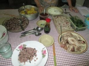 コングリス、黒豆と米を炊いたもの、キューバの典型的な食事