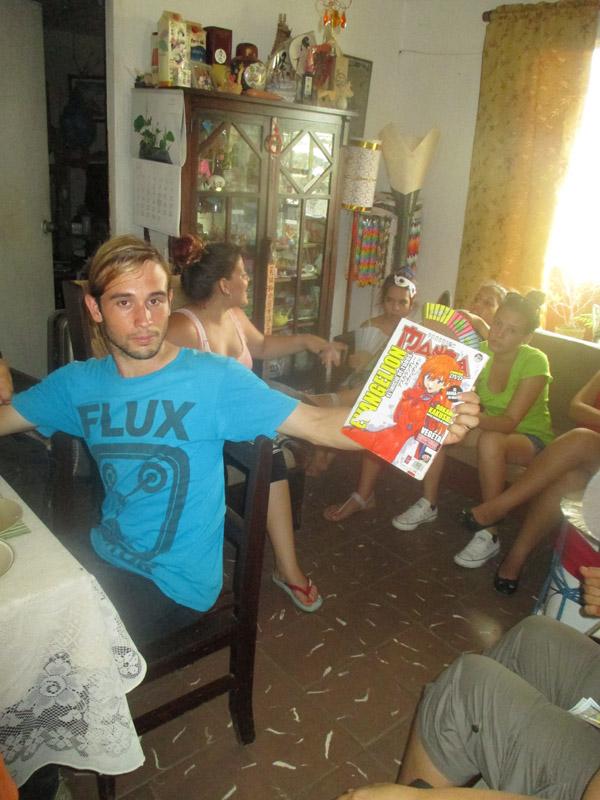 マンガ好きなキューバの青年