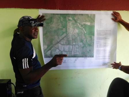 ベニーテさんの会社で圃場地図の説明