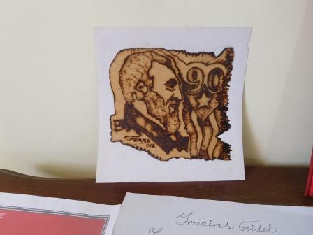 フィデルカストロが8月10日で90歳を迎えるための展示物